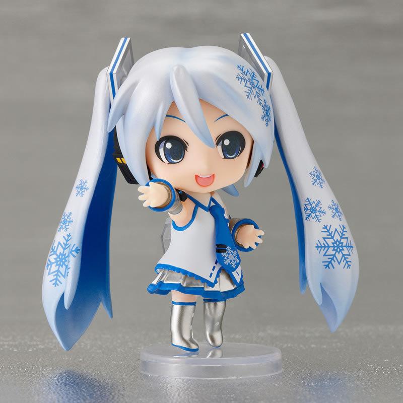 Celebrate the Holidays With This Snow Miku | Plastikitty